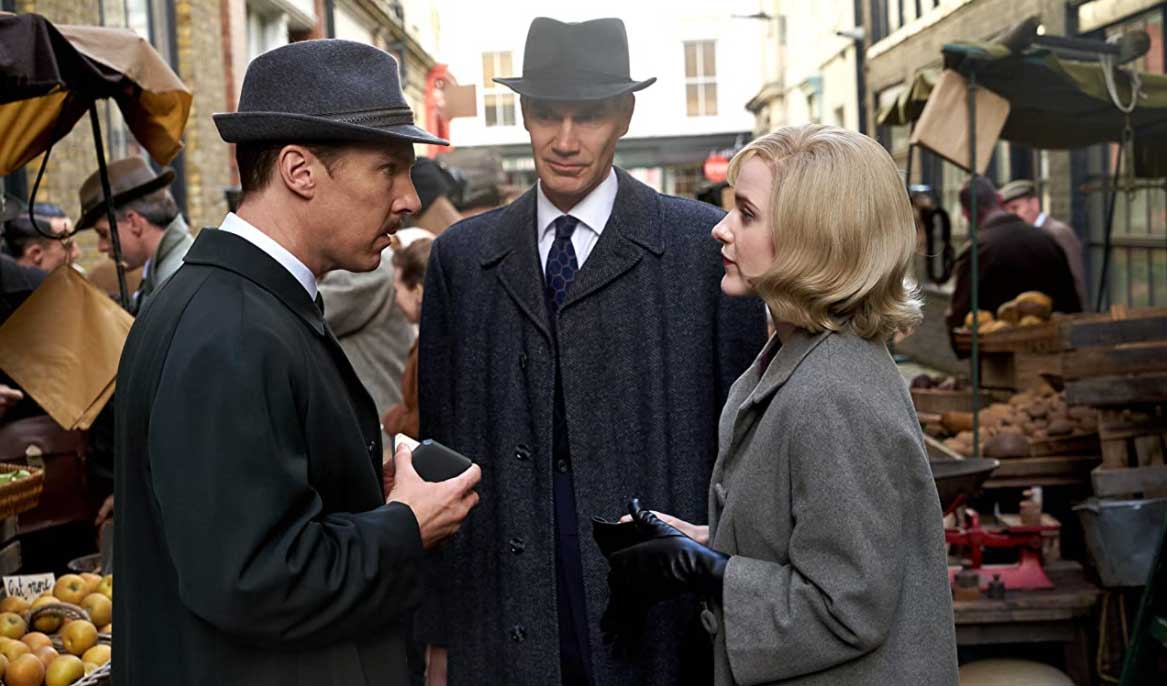 Benedict Cumberbatch and Rachel Brosnahan in The Courier